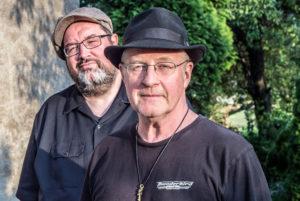 Steve Baker (hca, vcl), Michael van Merwyk (gtr, vcl), Jeff Walker (b)